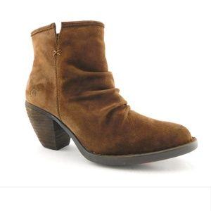 New BORN Brown Suede Ripple Vamp Ankle Boots 6.5